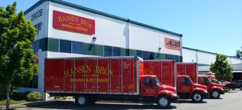 Our movers in Bellevue WA operate with modern relocation equipment and resources.