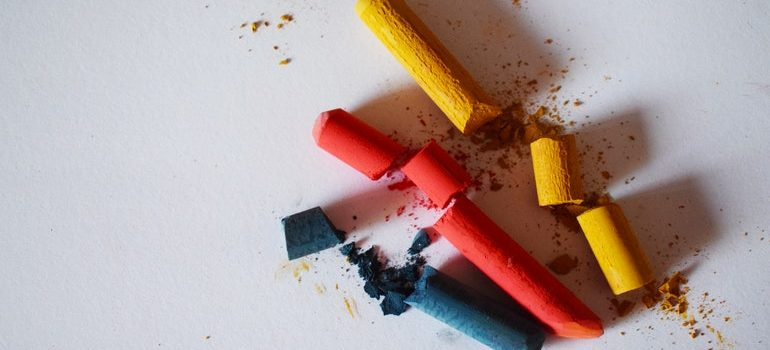 Broken chalk.