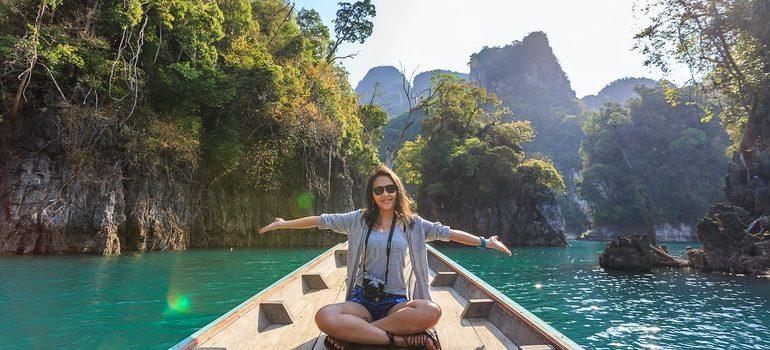 A woman enjoying her life after becoming an expat.