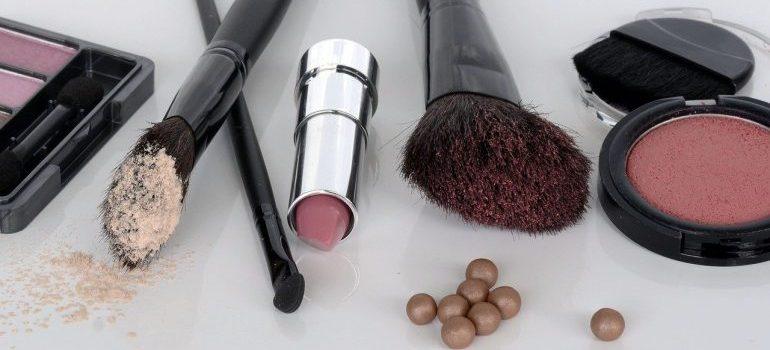 Makeup and makeup brushes.