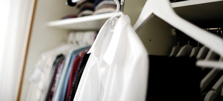 Clothes to transport in one of the best types of boxes to use when moving.