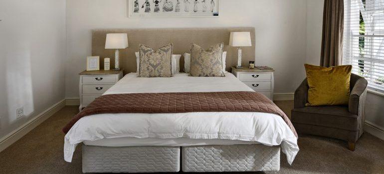 A minimalistic bedroom.
