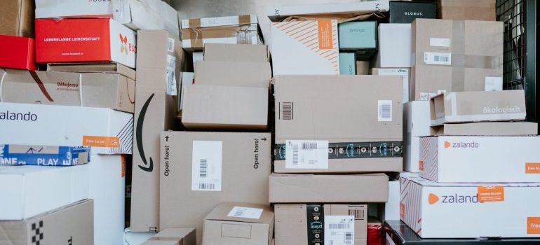 some of the possible boxes that can be used to pack and move a flat screen TV